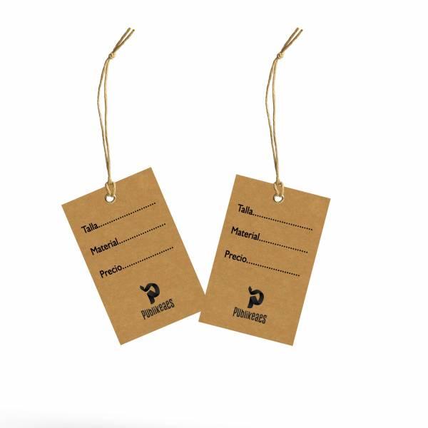 Etiquetas de ropa tamaño tarjeta en kraft impresas por las dos caras